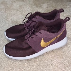 Men's Nike Roshe Suede's